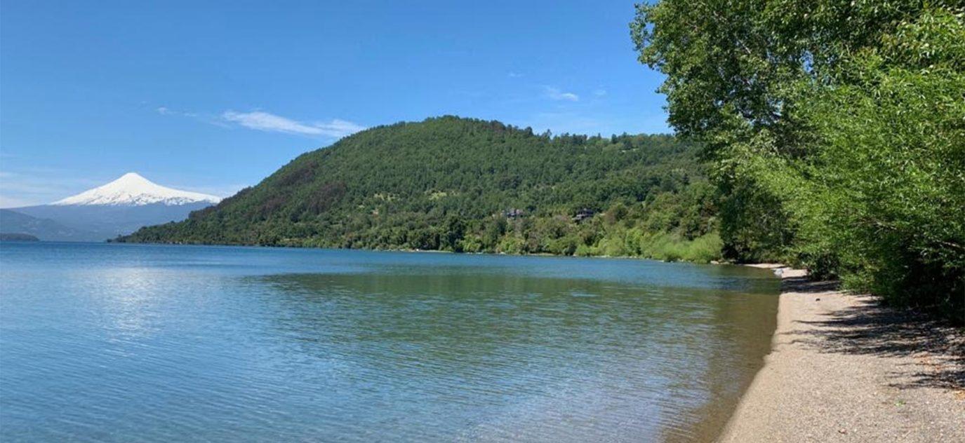 Exclusivo Terreno con playa en ribera sur del Lago Calafquén