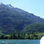 El terreno cuenta con más de 1.000 metros de orilla del ancho y navegable río Puelo